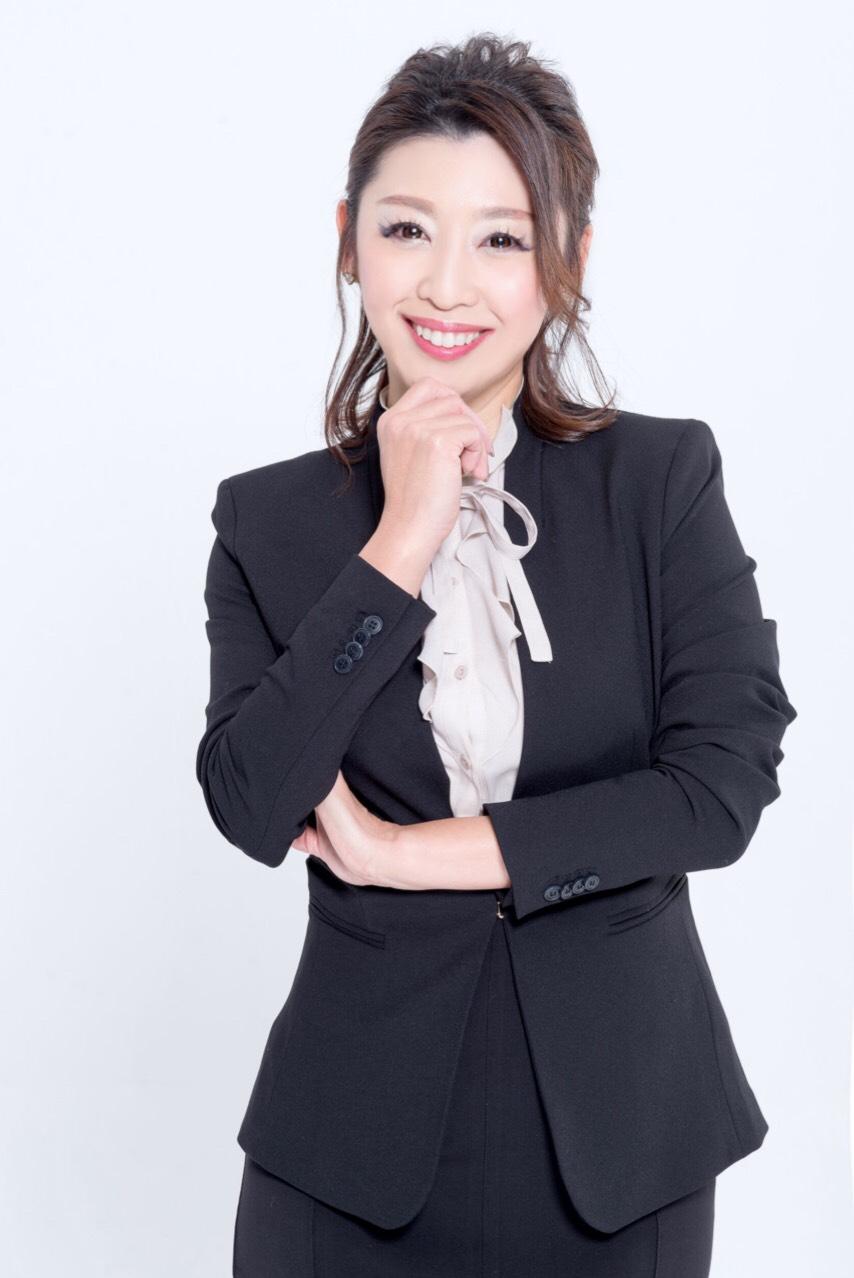 マナー講師佐藤由佳